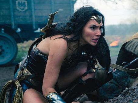 636313383608643818-XXX-IMG-WONDER-WOMAN-SUMMER-1-1-M4HUDBLJ